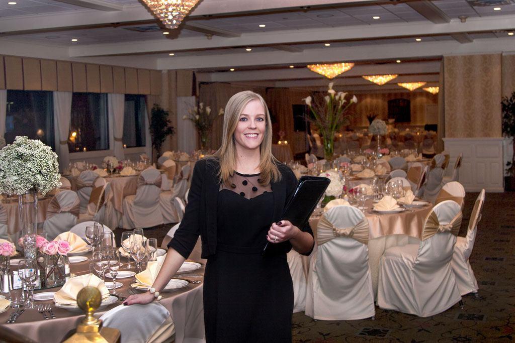 Lauren Thomas, The Radnor Hotel's Wedding Specialist, at January's Wedding Open House (Photo ©2014 Larmon Studios)