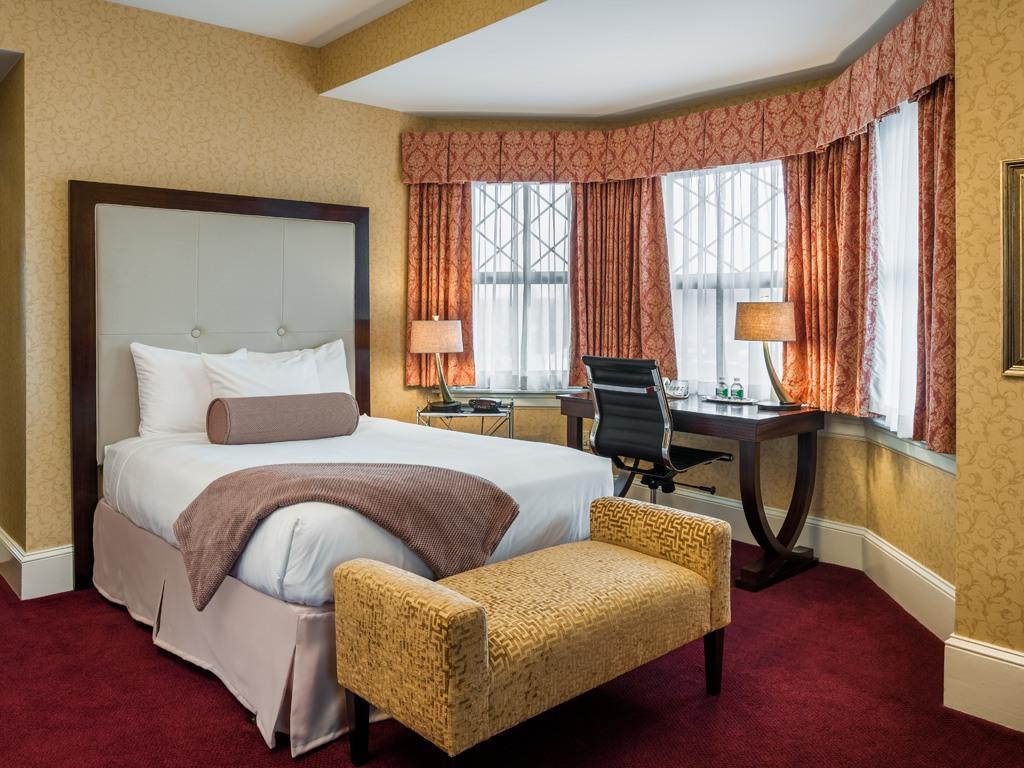 Wayne Hotel's Double Deluxe Guest Room