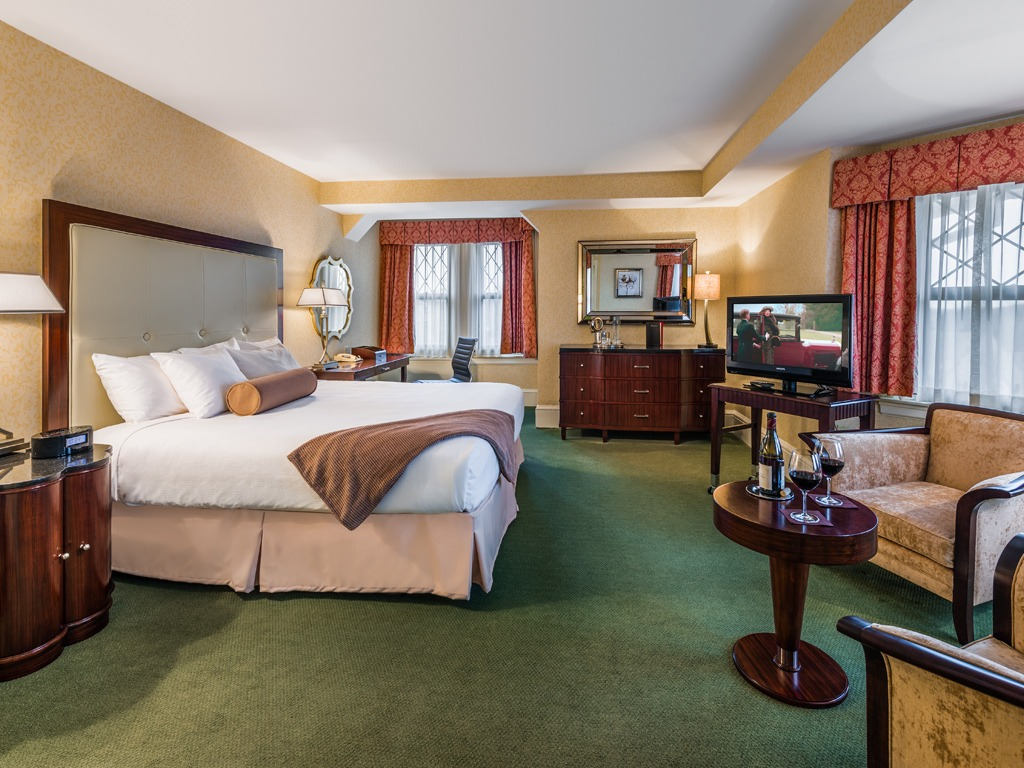 Wayne Hotel's King Superior Guest Room