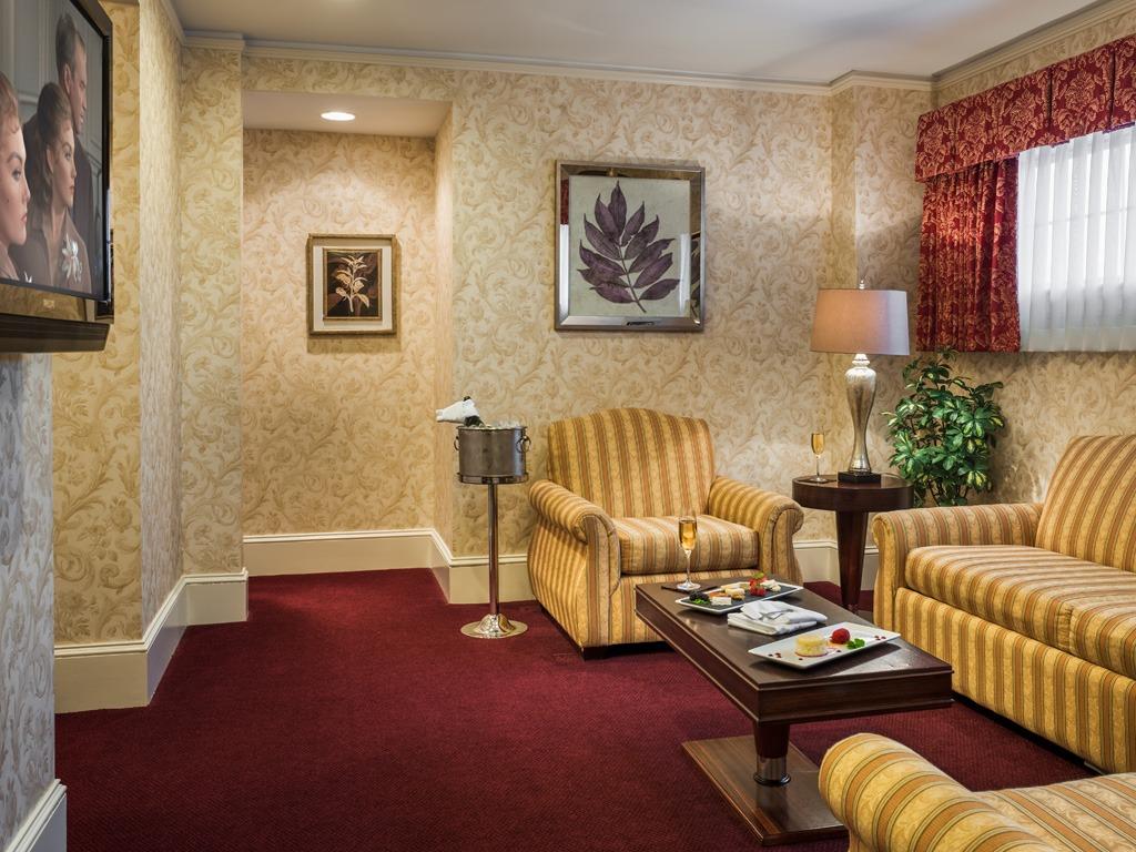 Wayne Hotel's Askin Suite Livingroom
