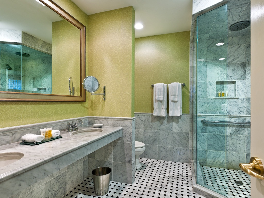 Wayne Hotel's Askin Suite Bathroom