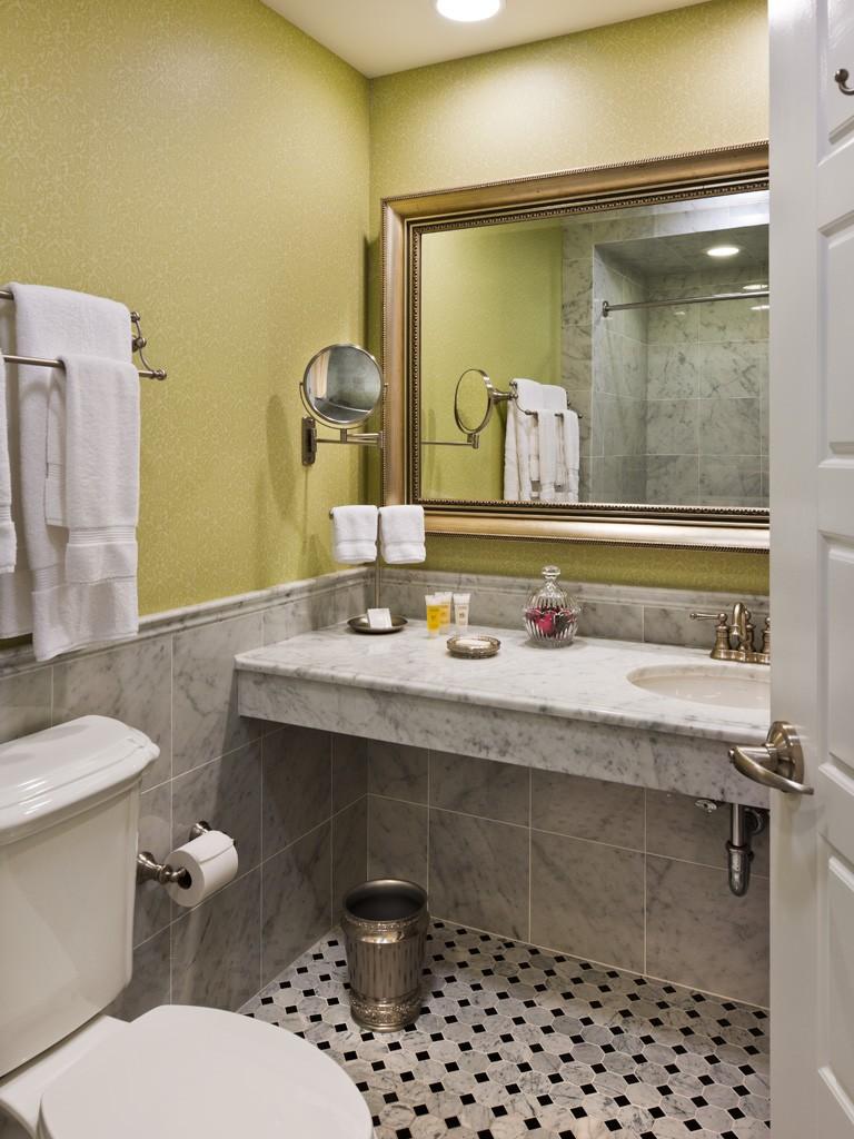 Wayne Hotel's Lengel Suite Bathroom