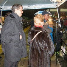 Vernon Odom of Channel 6 Action News along with Justin Weeks, Assistant General Manager of Paramour at the Wayne Hotel, and Diane Jiorle, President of Wayne Business Association, led the countdown to the Tree Lighting at the Wayne Train Station